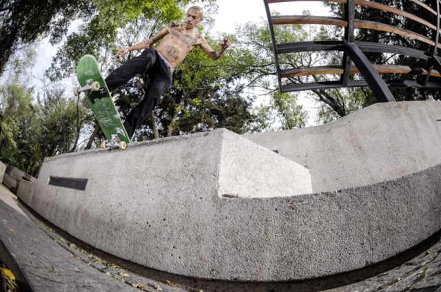adidasSkateboarding-Street-Mexico- Akira_Switch_Bs_tail